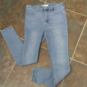 Free People Light Wash Skinny Jeans Size 30